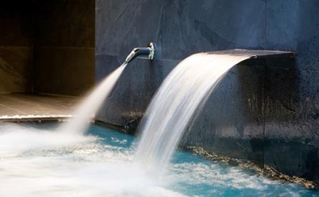 cascadas para piscinas en madrid instalacion de cascadas On bombas de agua para cascadas artificiales