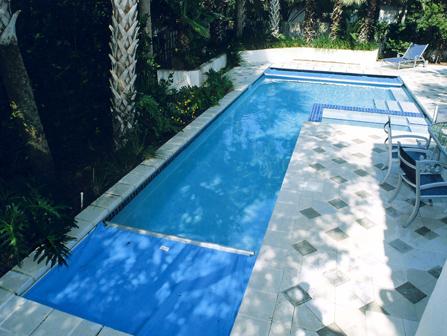 Cobertores de piscinas en madrid instalaci n de for Cobertores para piscinas