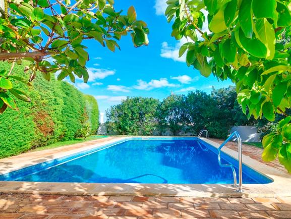 Servicio t cnico de piscinas en madrid instalaciones en for Mantenimiento de piscinas madrid