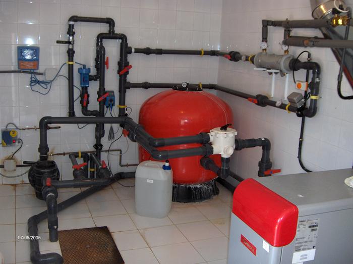 Reparaciones de piscinas en madrid servipiscinas for Instalacion hidraulica de una alberca